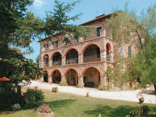 3 bedroom Villa in Maesta dei Mori, Tuscany, Italy : ref 5239773