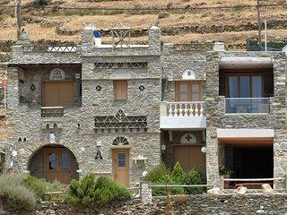Tinos Habitart - The Yellow House