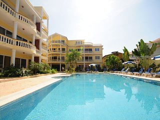 1 bedroom condo close to the beach