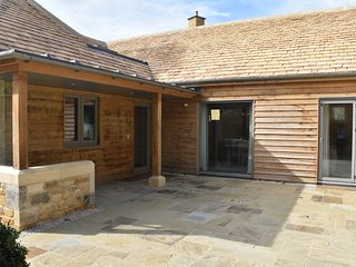 Lily Rose Cottage - Luxury barn conversion in the heart of Broadway village