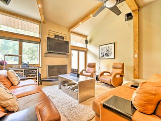 Park City Luxury Condo w/Pool & HotTub–Mins to Ski