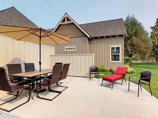 Spacious Eagle Crest home w/ shared pool, hot tub, & resort amenities