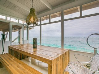 A charming HOUSE on the BEACH with an expansive Ocean view!