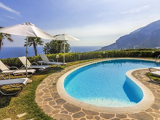 Scala Villa Sleeps 10 with Pool Air Con and WiFi - 5228659