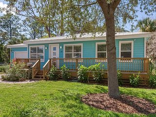 Blue Pearl, Pet Friendly, 2 Bedroom, WIFI, Located in St. Augustine