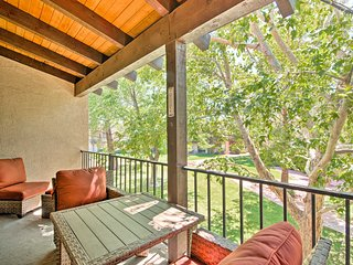 NEW! Sedona Condo w/Spas, Balcony & Serene Views!