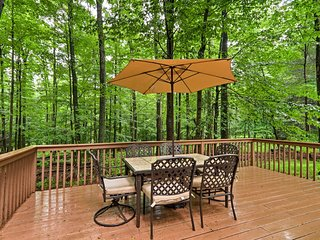 Lake Ariel Home w/Deck, BBQ & Community Amenities!