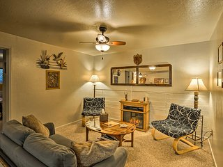 NEW! 'Bear's Lair' Walking Distance to Sarafina's!