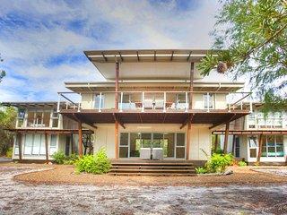 DRISHTI Spacious and Modern Beach House