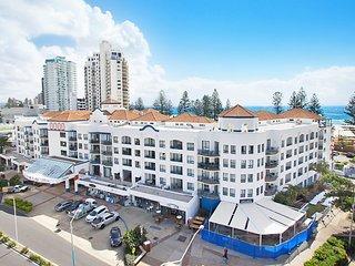 Calypso Plaza Resort Unit 238 - Right in the heart of Coolangatta Sleeps 3 peopl