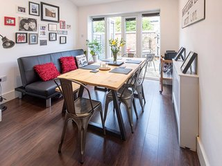 Cosy 2BD Terrace House in Chorlton