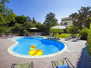 Villa Il Pino with private pool, garden, terraces, parking. Ideal for families