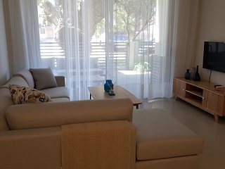 Brand new - chic and spacious - best location!!