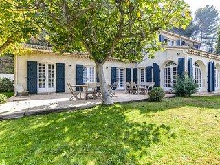 Magnifique Mas Provençal avec piscine et tennis au Beausset pour 12 personnes.