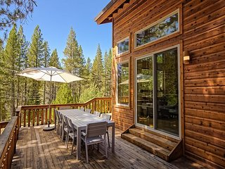 Chic Truckee Retreat w/ Tahoe Donner Access - Stay & Play!