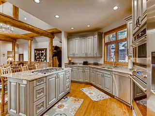 Short walk to the slopes from this luxury home on Peak 8; hot tub & billiards
