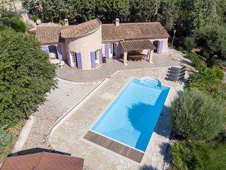 169143 villa with well kept garden of 20.000m2, pool of 10 x 5 mtr, beach 1.6 km