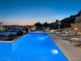 Trogir Pearl Villas Complex