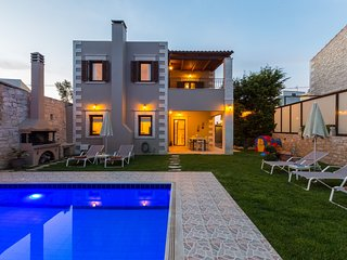 Adorable sea view villa with private pool & BBQ - disCrete Villa Chromonastiri