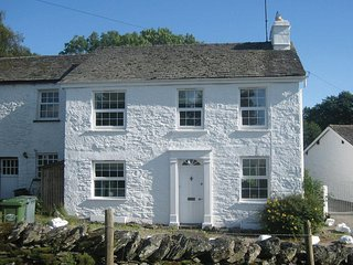 Smithy Cottage Holiday Rental. Beautiful 17th Century family holiday cottage.