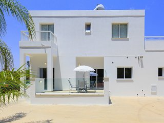 Green Bay Apartments (1) - 2 Bedrooms - Sleeps 6