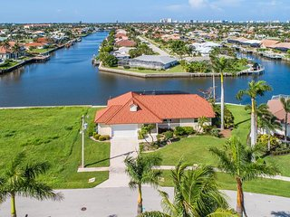 Darling Florida Ranch Style home with all the Bells and Whistles for boating !