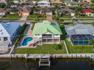 Trendy Old Florida Waterfront Pool Home!