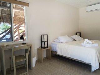 Estudio con entrada independiente, acceso a playa a 20 mins de Playa del Carmen