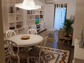 Apartamento frente Torres de Serrano en Valencia centro