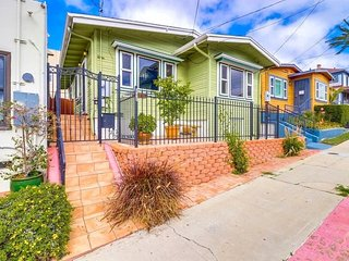 Beautiful Bungalow Near Little Italy and Downtown San Diego
