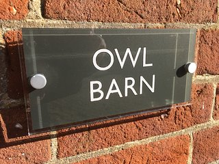 Owl Barn - Maple Barns (2 bedrooms, sleeps 4)