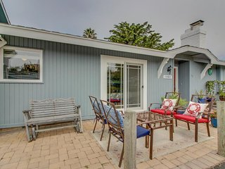 Dog-friendly duplex - just a short distance from the beach