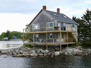 Little Island House Upstairs Appartment