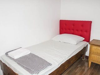 MAGABELLE GUESTHOUSE (Single Room 3)