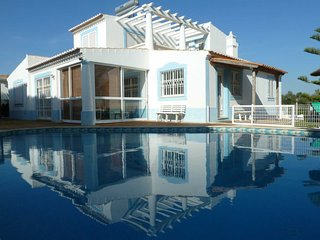 House in Albufeira with Internet, Pool, Air conditioning, Terrace (636843)