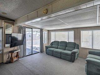 NEW! Cozy Home w/Pool Access -Steps to Lake Havasu