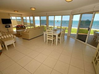 1 'The Clippers' 131 Soldiers Point Road - fabulous waterfront unit