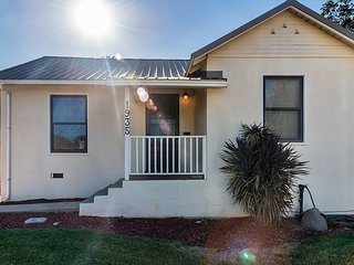 Bungalow 64-Charming and Fun in Downtown Paso Robles!