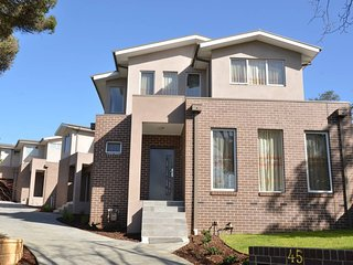Melbourne Luxury Villa at Doncaster