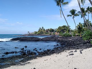 Steps to Banyan Surf Beach! Kona Bali Kai Studio w/ Pool, Spa & Da Poke Shack