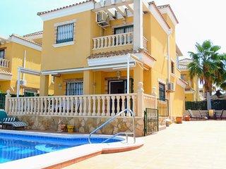 Villa Thelmas, El Raso - Villa with Private Pool, A/C & Wi-Fi