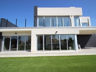 Luxury Villa Adelfas - Centre of Quesada - Contemporary Villa with Private Pool