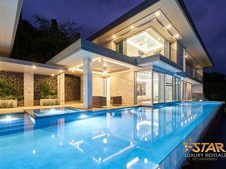 Compass House Luxury Villa with Infinity Pool, Overlooking Tamarindo Bay