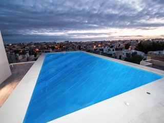 Luxury 2 Bedroom Penthouse with Private Pool