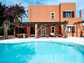 4 bedroom Villa in L'Addolorata, Sicily, Italy : ref 5673830
