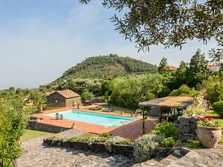 Fleri Villa Sleeps 8 with Pool and Air Con - 5674974