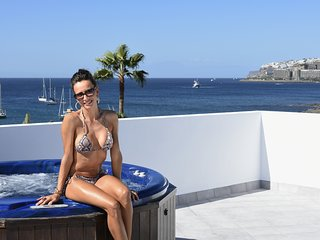 Pura Vida Beach Suite 1B
