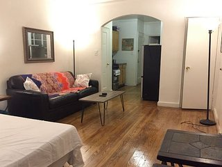 Spacious & Charming Studio on Midtown East (8607)