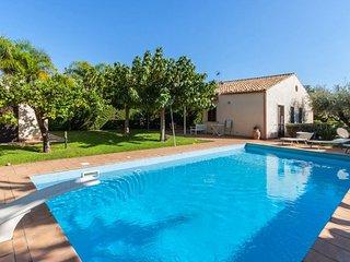 4 bedroom Villa in Donnalucata, Sicily, Italy : ref 5218243