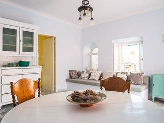 Villa Maria-Syros, Amaryllis